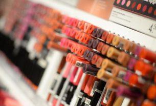 Jak bada się kosmetyki przed dopuszczeniem do sprzedaży?