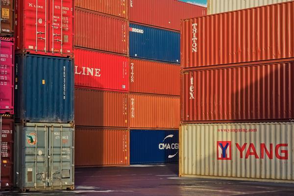 Jak zabezpieczać ładunki na statkach?